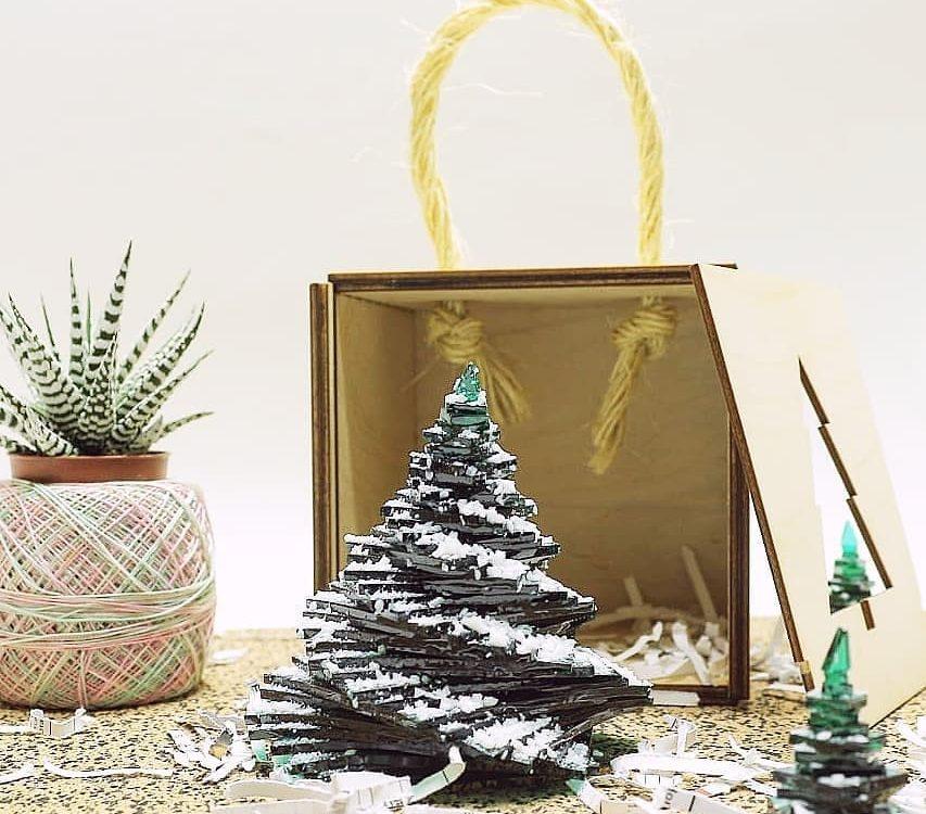 "Новогодний сувенир ""Ёлка под снегом"" в подарочн..."
